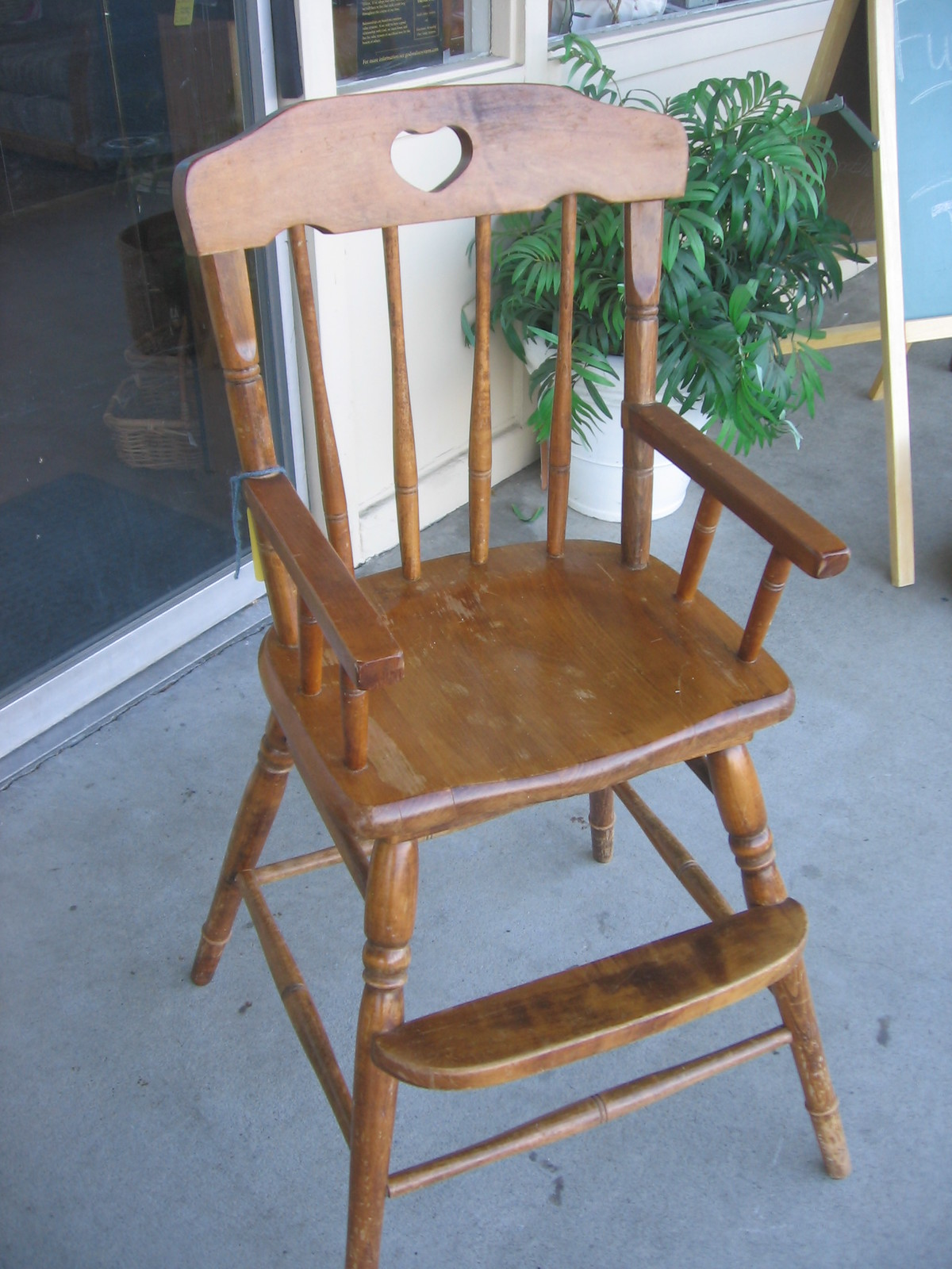 SOLD: Toddler dining chair