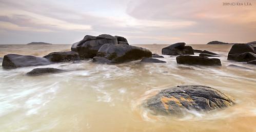 sunset mer seascape beach water rock photoshop nikon eau raw nef wave explore vague plage rocher lightroom d300 frenchguiana guyanefrançaise kento973