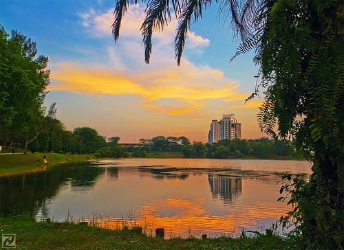 sunset lake reflection digital malaysia fujifilm selangor blending subangjaya s100fs subangria