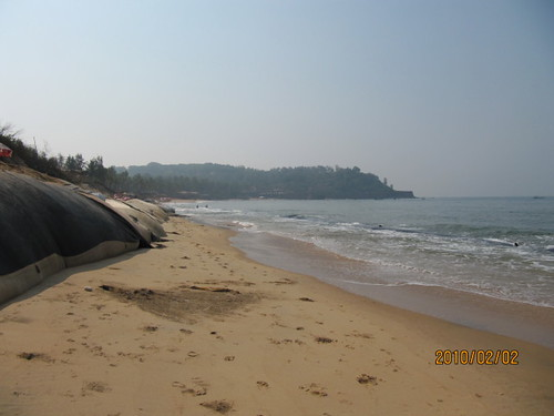 Sandbags at Sinquerim   by wallygrom