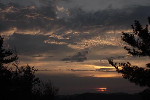sunset clouds virginia spring hike westvirginia georgewashingtonnationalforest littlesluicemountain littleschloss