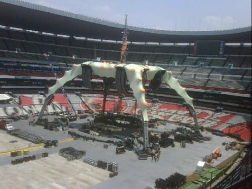 La Garra en el estadio azteca de méxico   by u2fanlife