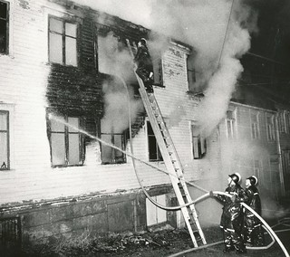Sodemanns gate 8 brenner / Sodemann's Street 8 on Fire (1973)