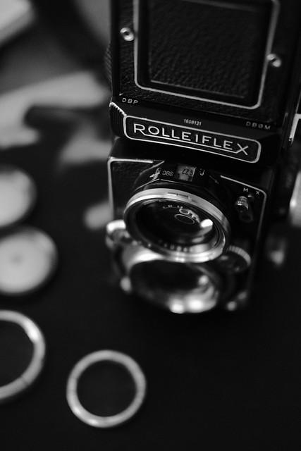 F8572 ~ Rolleiflex