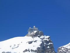Krásně nasvětlená observatoř, památka UNESCO.