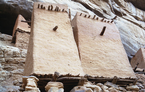 Dogon granaries in Teli | by robin.elaine