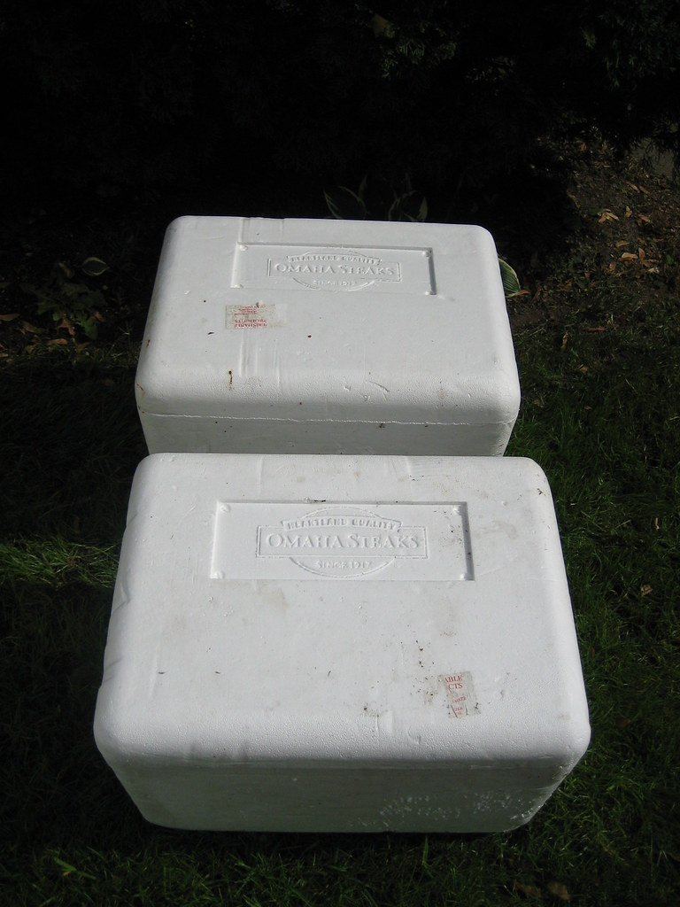 Styrofoam Box Shelter | Steak or fish boxes can be used, ste… | Flickr
