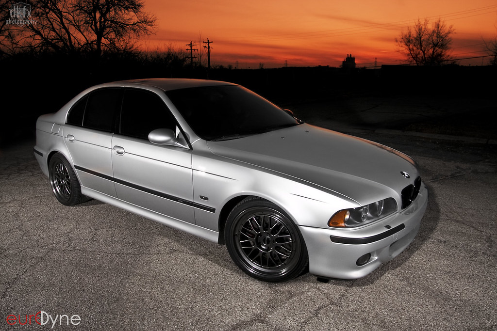 2002 E39 M5 with Linea Corse Lemans in ET15 Offset