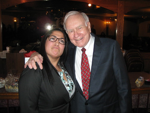 Warren Buffett with Fisher College of Business Student | by Aaron Friedman