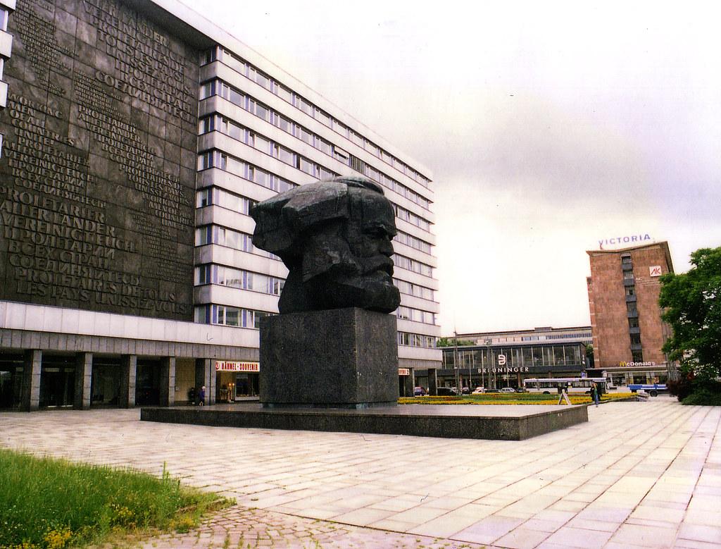 Karl Marx Head Chemnitz 1999