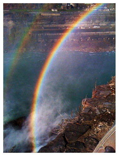 rainbow niagara iphone