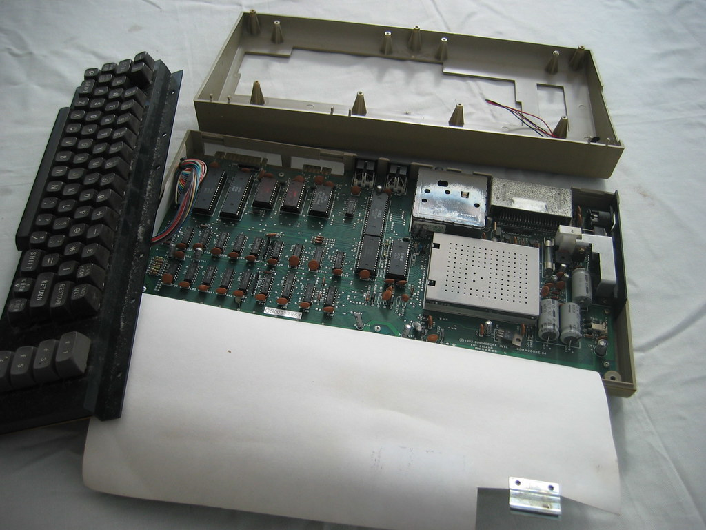 C64 #2 Inside | C64 #2 was lacking any case screws   popped