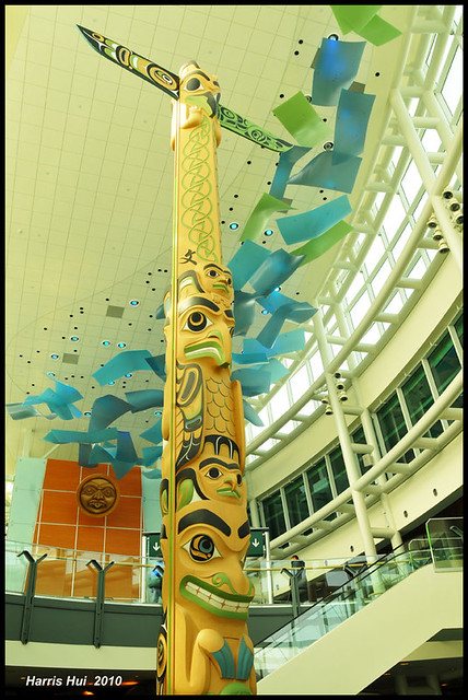 Totem Vancouver Airport N1722e