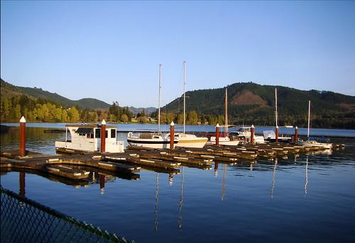 reflection oregon marina boats pier crew rowboat lowell dexterlake coveredbridgeregatta coveredbridgeregatta2010