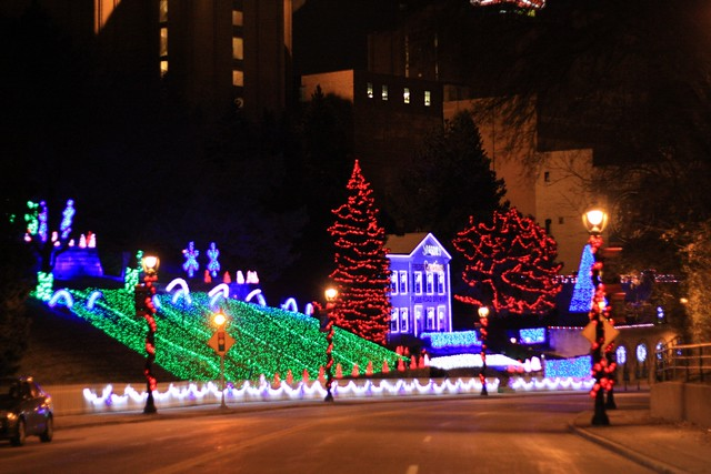 Christmas Lights Milwaukee.Miller Brewery Christmas Lights Milwaukee Wi Keith