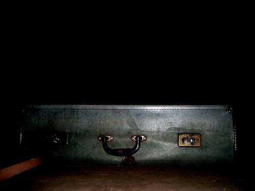 2004-11-28-2 Mystery Case (darker) | by [Ananabanana]