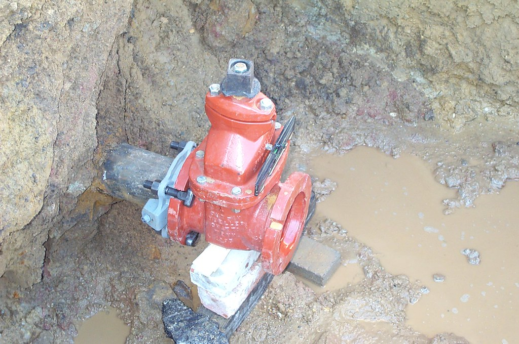 Water Main Installation | Resilient Wedge Gate Valve on a wa