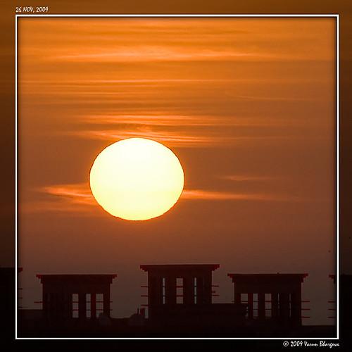 sun rooftop sunrise uae abudhabi nikond40 varunbhargava sigma70200mmf28exdgmacrohsmii shabiya