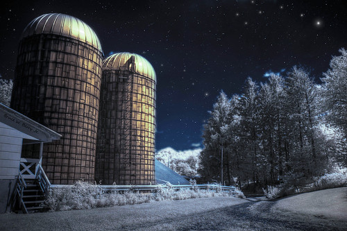 grass photoshop stars farm surreal moonlight silos dreamlike 2009 hdr bigdipper gravelroad sigma1850mm 3xp photomatix littledipper infraredphotography 720nm canon350 r72filter midnightinaperfectworld winterfeel 4hfarm brucewberryjr turningdayintonight darthbayne