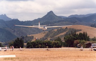 1993 Puchacz ZK-GPC landing at Pauanui airfield