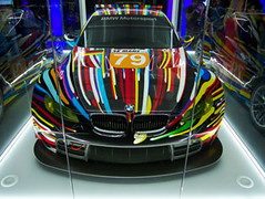 BMW-M3-GT2-by-Jeff-Koons-2010-07