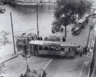 09-05-1950_8125_1 Tramstel in de Amstel | by IISG