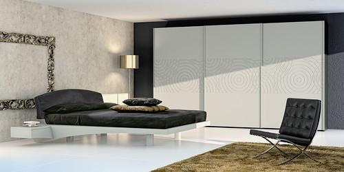 Mazzali: BE FREE wardrobe with NEWPORT bed.  Bedroom area   by MAZZALI bespoke italian furniture