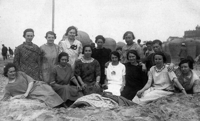 Girls-club of Middelharnis , a day out and all having a good time , we hope ..., somewhere on the beach of Scheveningen in the summer of ..... -  picture from the Netherlands