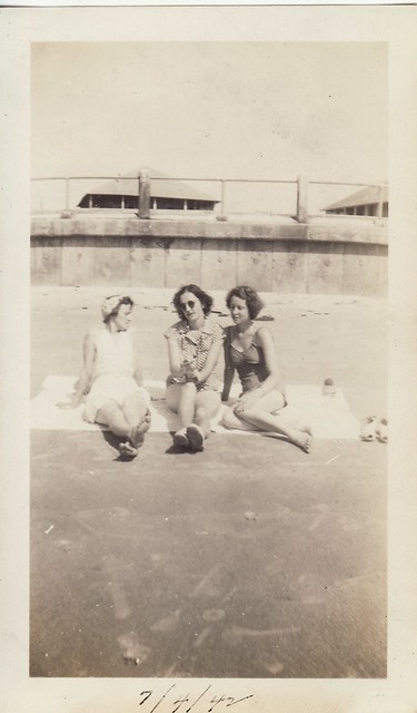 Dixon Sisters at the Beach 3