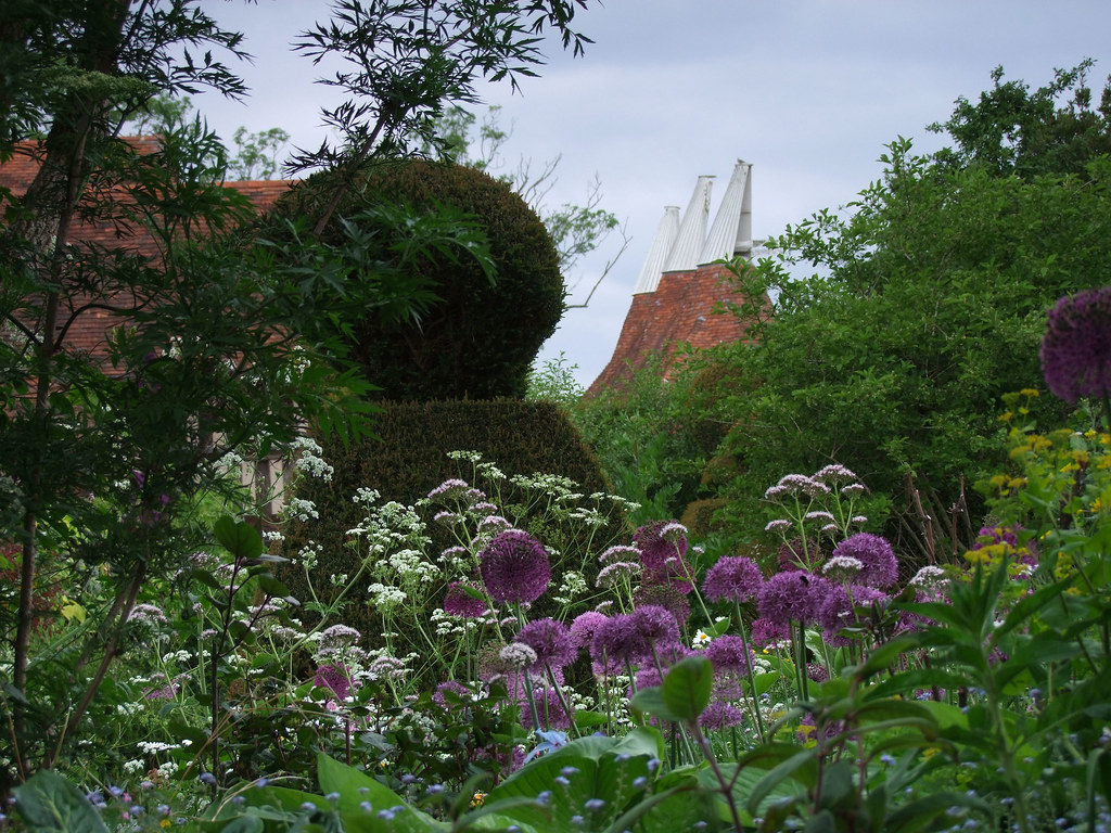 Great Dixter Garden Oast House Christopher Lloyd Was One Flickr