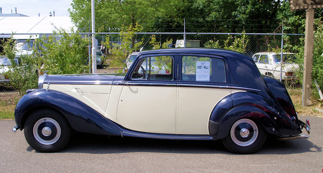 Bentley Mk VI  Saloon ( 1946 - 1952 )