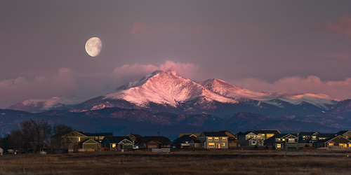 moon mountain sunrise multiple d700 70200mmf28gvrii