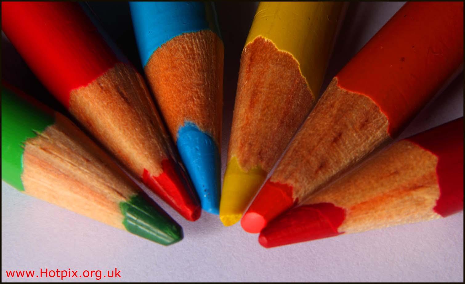 color,colored,coloured,colores,lapiz,pencils,green,red,blue,orange,yellow,paper,macro,extreme,close,up,closeup,tubes,bellows,still,life,stillife,stilllife,wood,wooden,cumberland,museum,cumbria,england,uk,unlimited photos,hotpix!