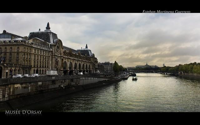 Museo D'Orsay junto al Sena