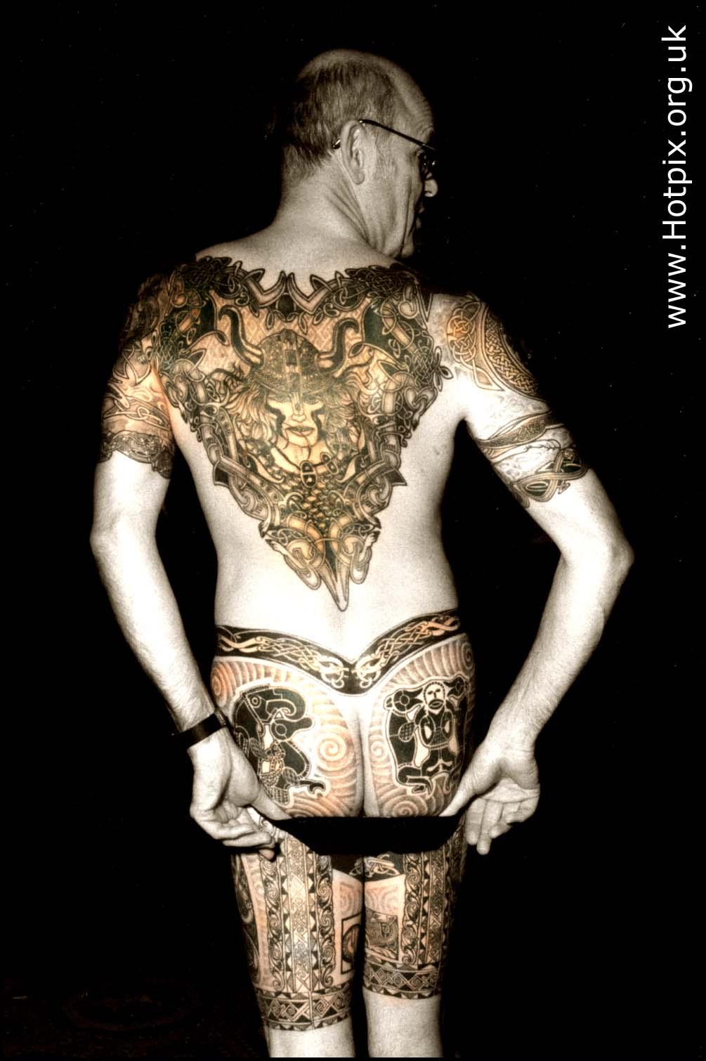 tattoo,tatoo,tat2,ink,skin,design,england,english,british,UK,man,male,back,face,leg,thigh,black,white,selective,color,colour,colores,sepia,convention,expo,exhibition,circuit,herts,tonysmith,tony,smith,Tatuada,tatto,tats,bodyart,body,art,dark,disturbia,interesting,people,person,persons,persona,interesante,tatouage,selectivo,couleur,s\u00e9lective,vorgew\u00e4hlte,Farbe,HOT PIX,tony smith photography,tdktony,tdk,tdktonysmith
