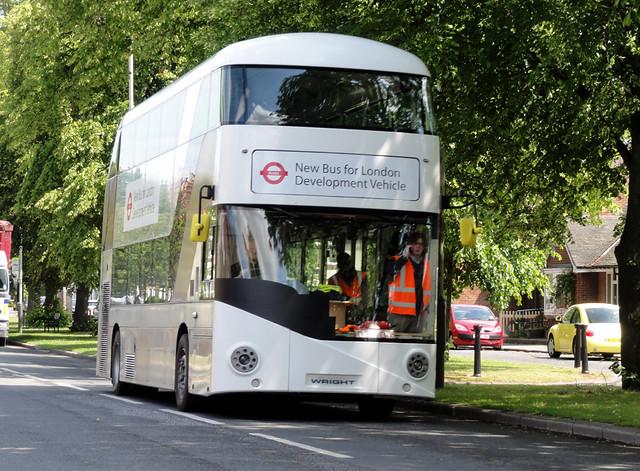 2011-06-16 New London bus, Haughton Green, Darlington