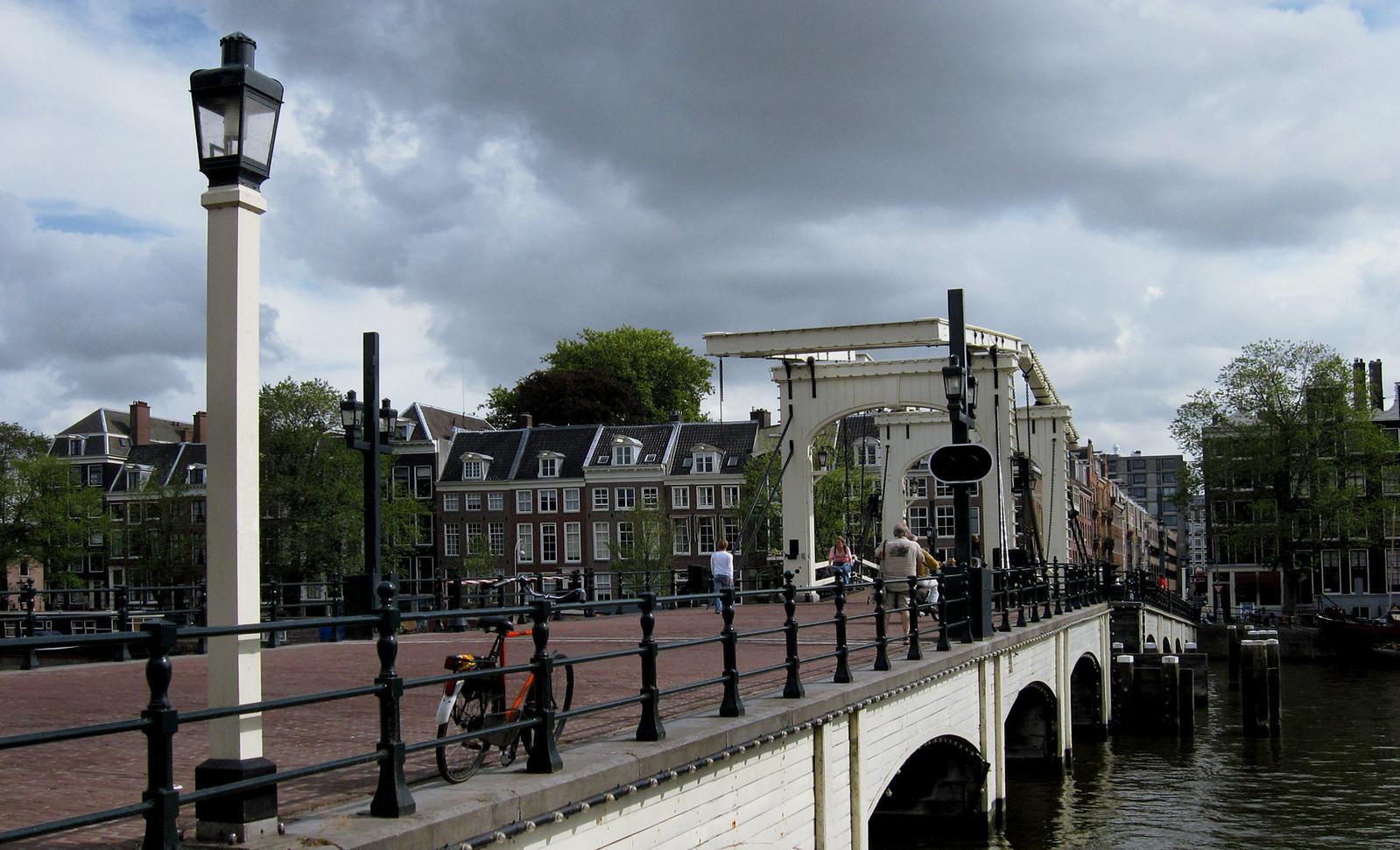 Amsterdam 606