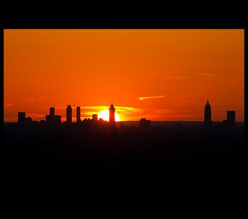 atlanta sunset mountain silhouette canon ga georgia atl dslr stonemountain atlantaga atlantageorgia 70200mm ef70200mm atlantasunset canon70200f28l 70200mmf28 xti 400d nrbelex aps022010