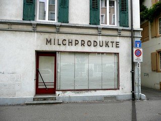 MILCHPRODUKTE | by Metro Centric