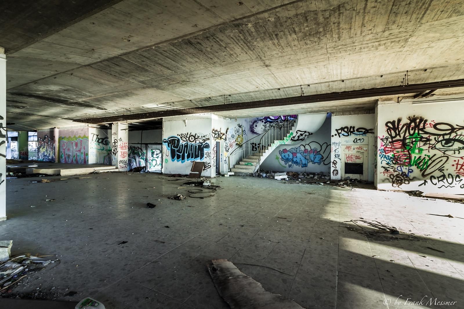 Autohaus-1