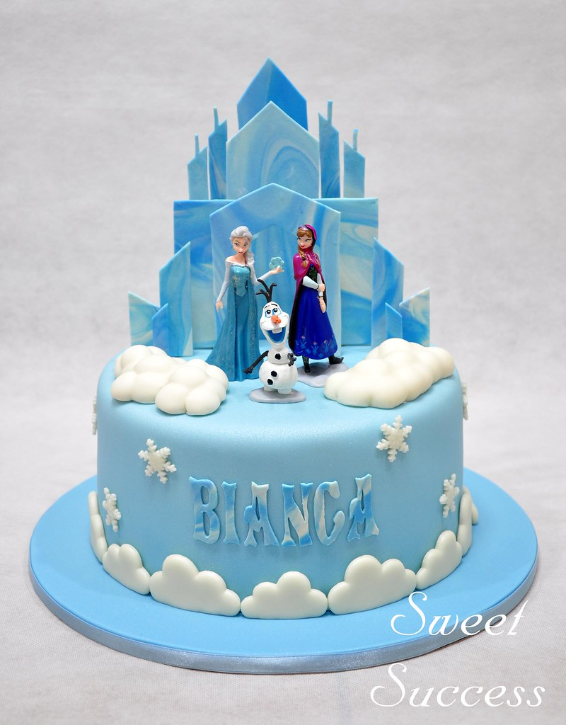 Frozen Cake Queen Elsa Princess Anna And Olaf Seem To