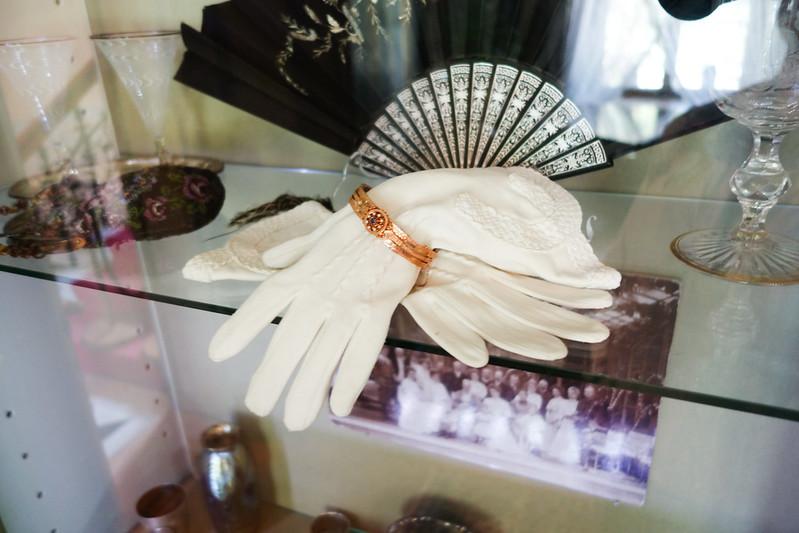 Antique ladies' gloves