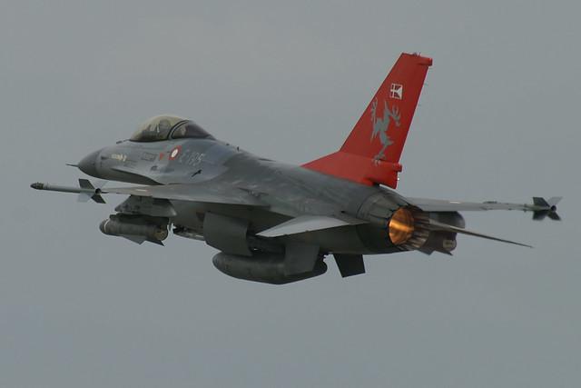 RIAT2005 Danish Anniversary F16 E-195