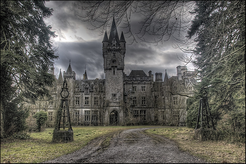 Château of the Château's by [StaticPulse] - www.TheOtherSide.be