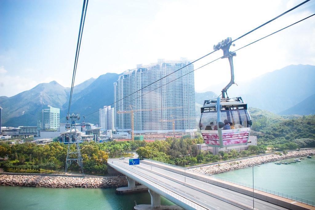 Ngong Ping cable car | Alexander Savin | Flickr