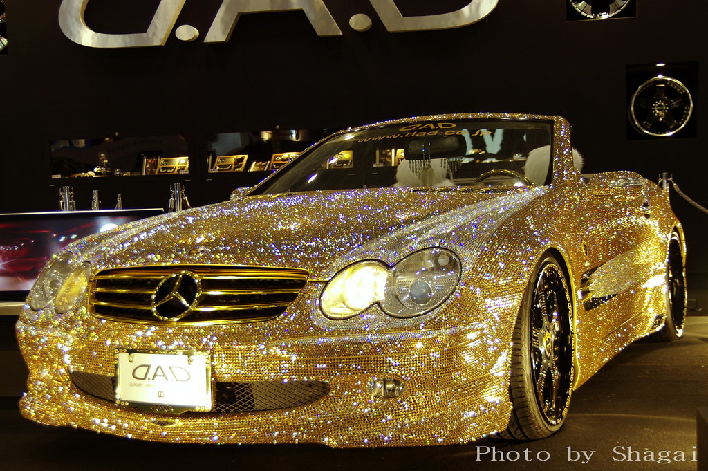 Mercedes Benz Gold  Pentax K20Dda 16-50Mm F28Ed Alif -6270