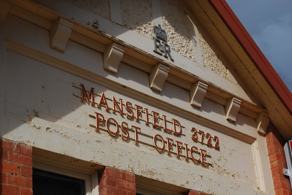 what time is mansfield post office open till