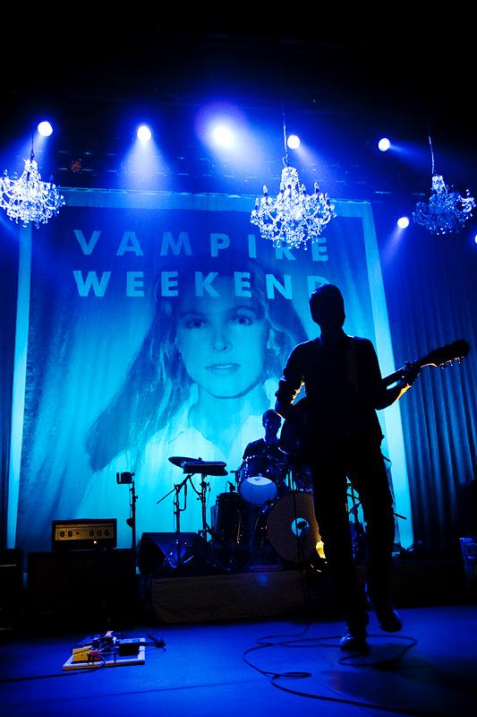 Vampire Weekend 27