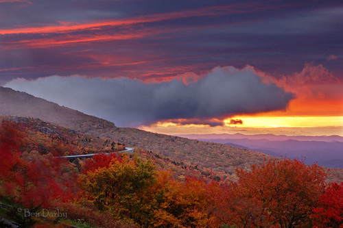 sunrise d70s northcarolina explore blueridgeparkway grandfathermountain linncove
