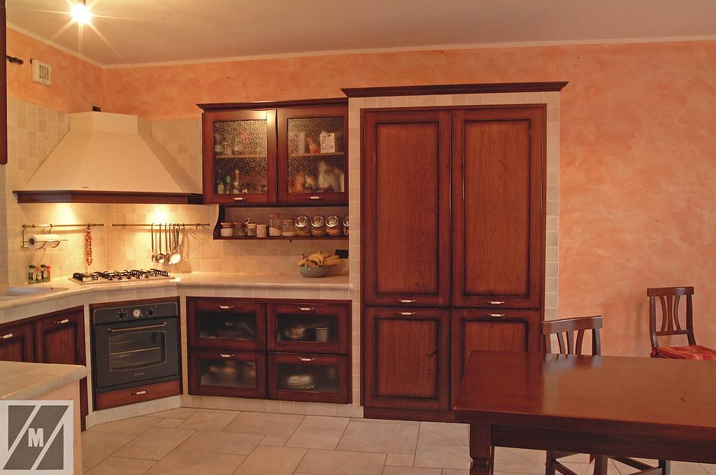 Cucina in muratura | Cucina in muratura, angolare, con ante ...